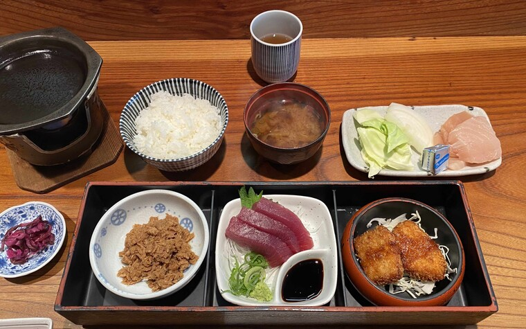 A photo of our maguro (tuna) meal set at Katsuragi Restaurant. This place is definitely worth the detour from playing golf in Wakayama.